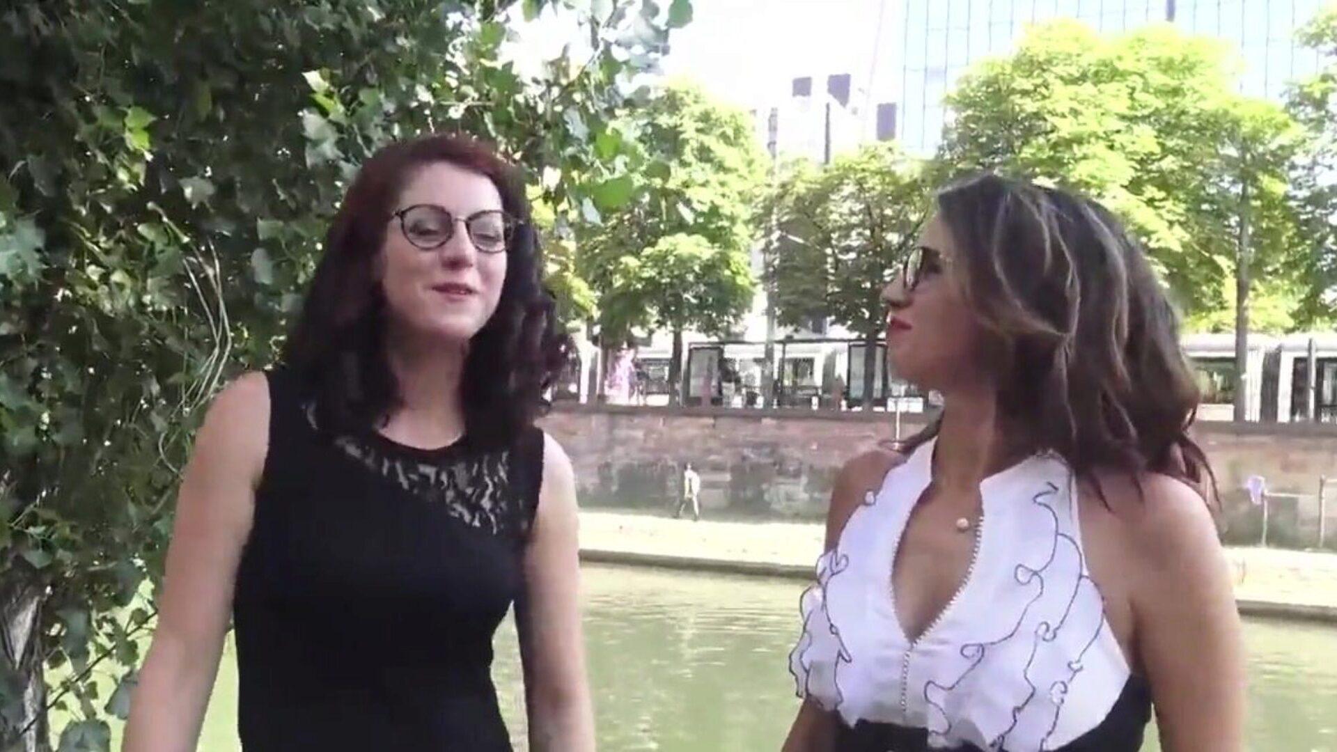 Gratis två franska kvinnor porr filmer - lesbisk porr