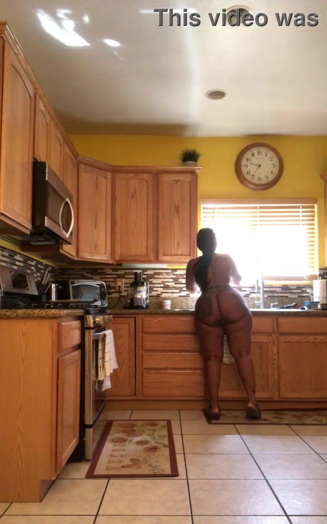 Naked women curvy Nude Ladies
