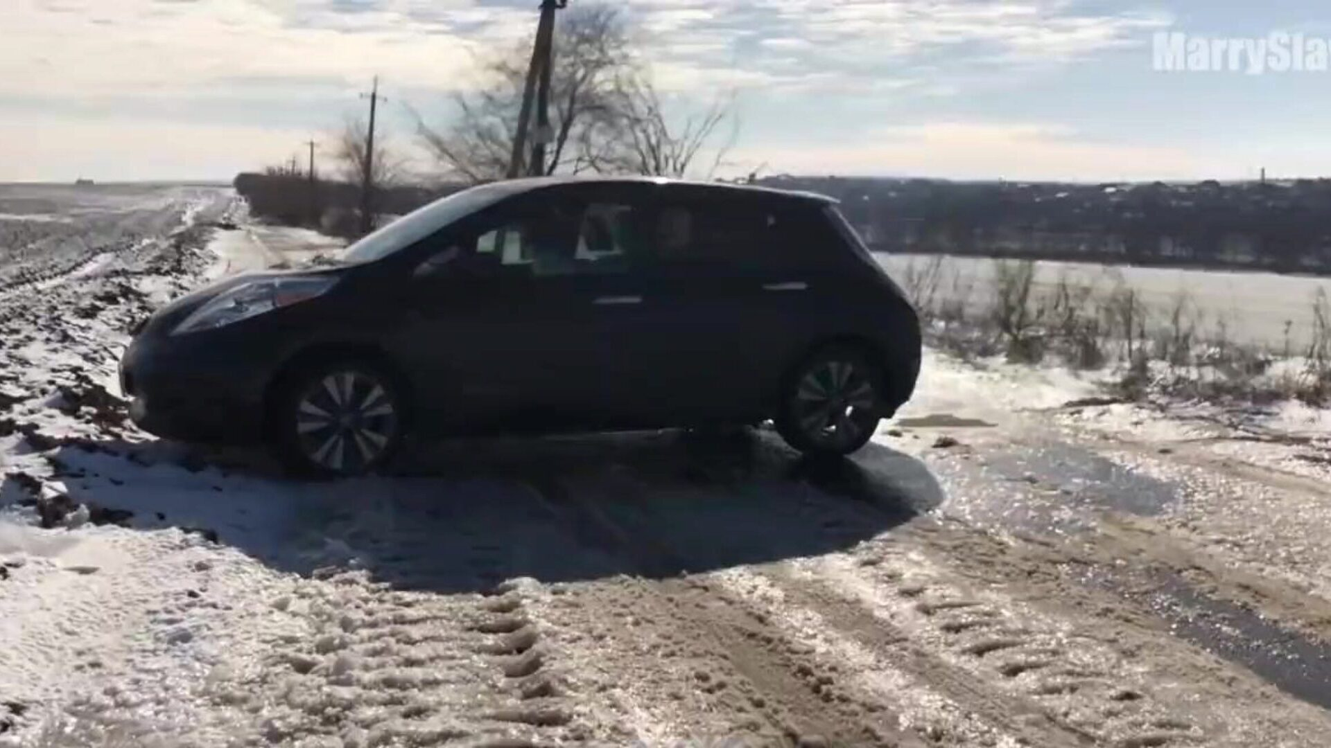 HOT PUBLIC SEX IN a CAR - in the Middle of the Winter Field