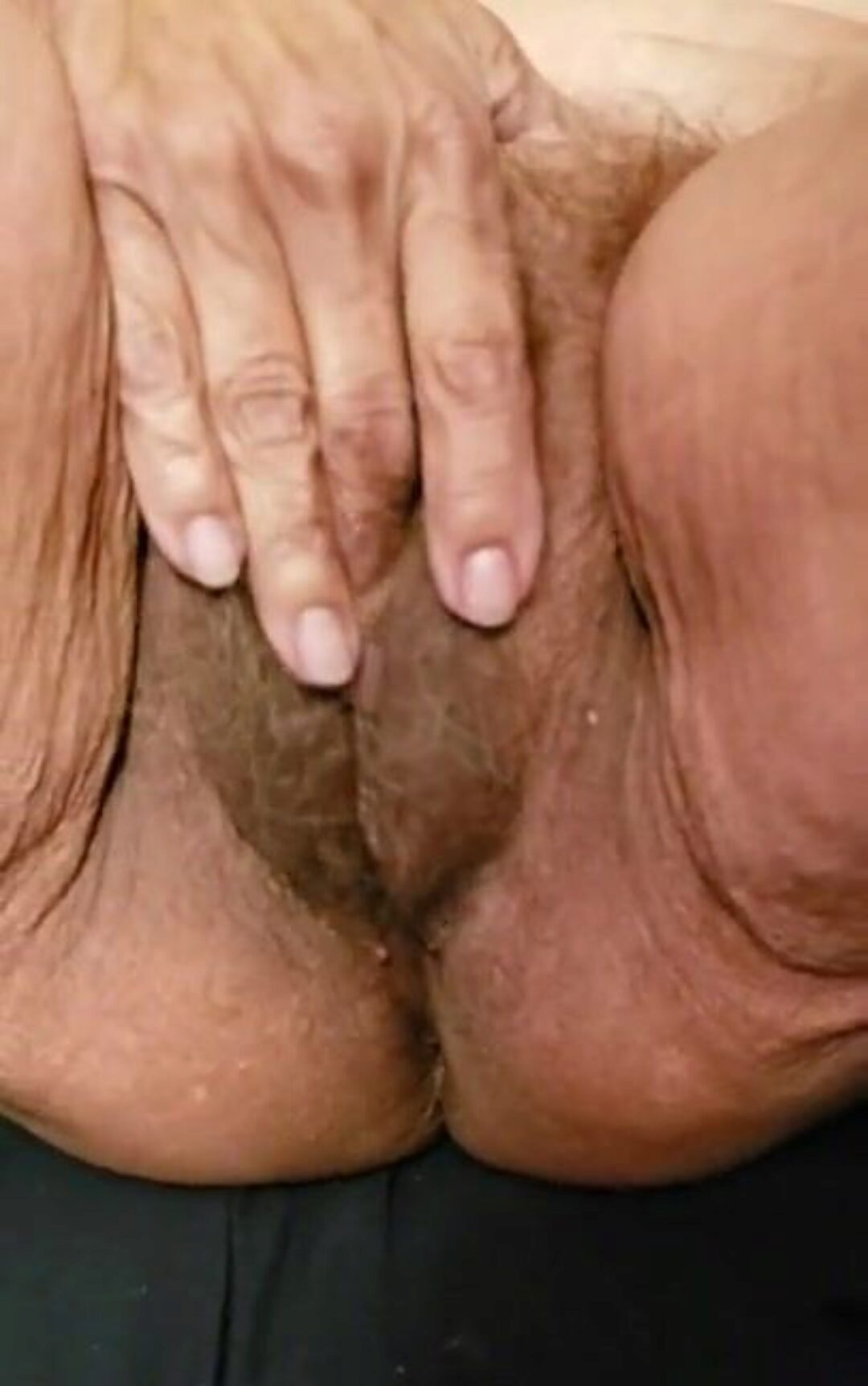 Playing with my large senior shaggy cum-hole You like this movie Please comment.  Love wicked comments. I will post greater quantity if I get a lot of visits