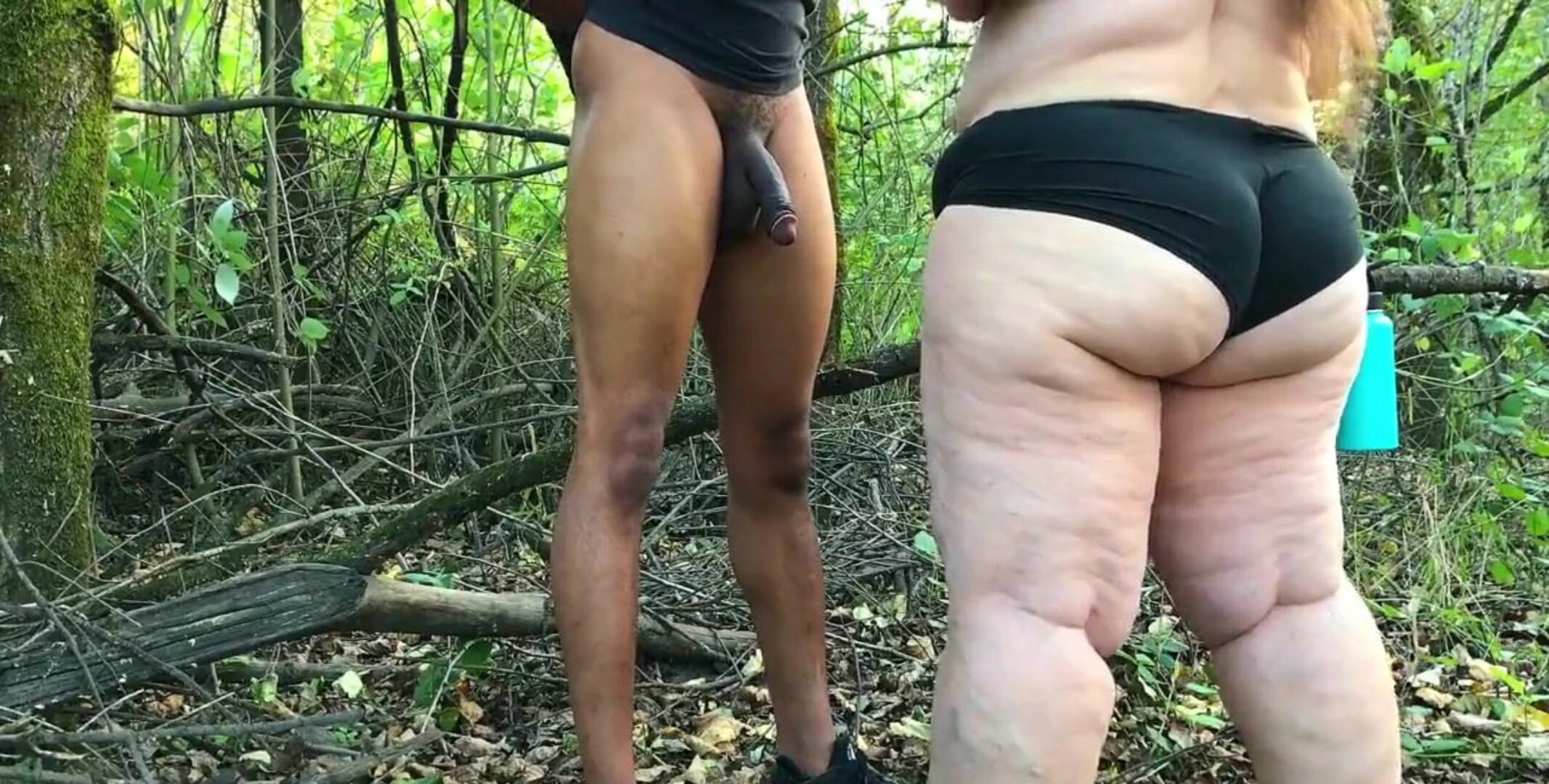 Mature bbw gives fellate spraying fellatio in the forest